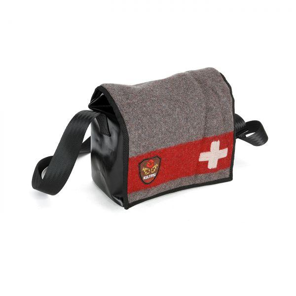 Kultbag_mono 06 Schweizer Armeedecke