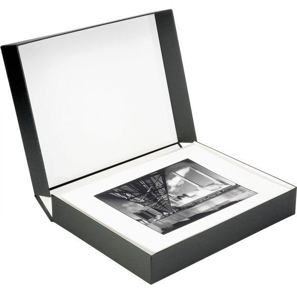 Monochrom Portfolio Boxes
